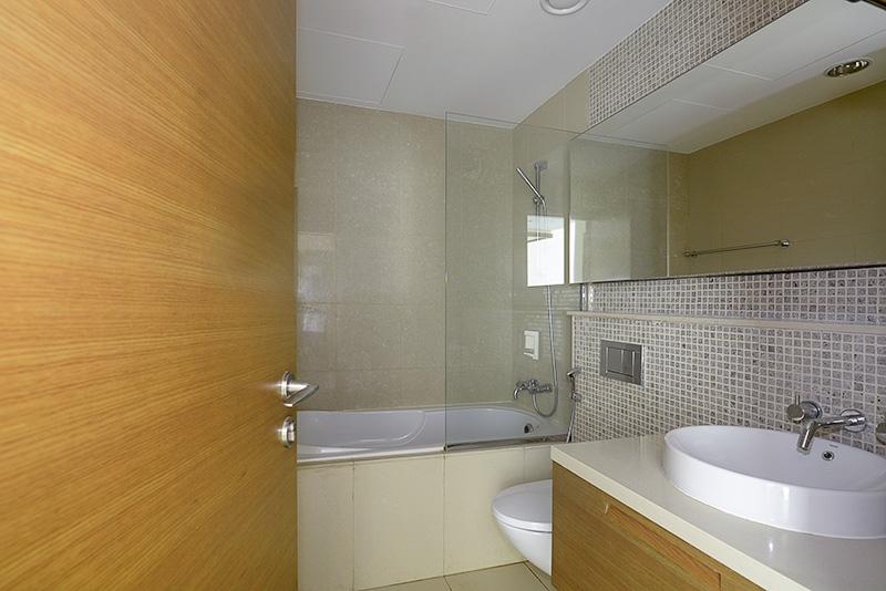 1 Bedroom Apartment For Rent in  Claren 2,  Downtown Dubai   7