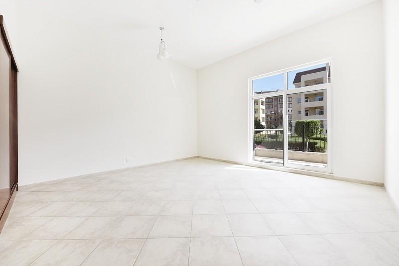 Studio Apartment For Rent in  Weston Court 2,  Motor City | 3