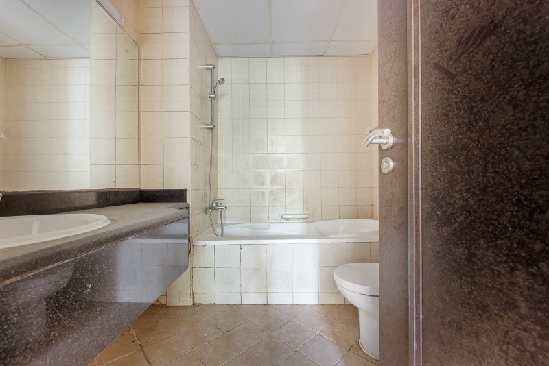 1 Bedroom Apartment For Rent in  Building 38 To Building 107,  Discovery Gardens | 9