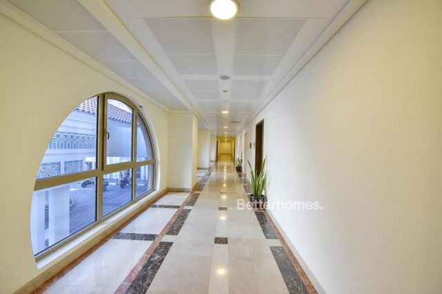 fitted and semi-furnished office for rent in discovery gardens, ibn battuta gate   8