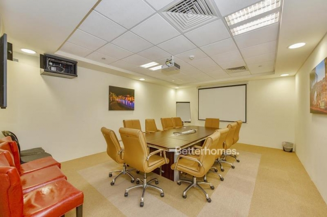fitted and semi-furnished office for rent in discovery gardens, ibn battuta gate   5