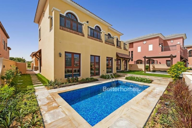 Orange Lake, Jumeirah Golf Estates