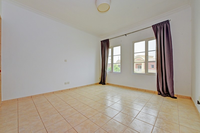 Studio Apartment For Sale in  Building F,  Green Community   7