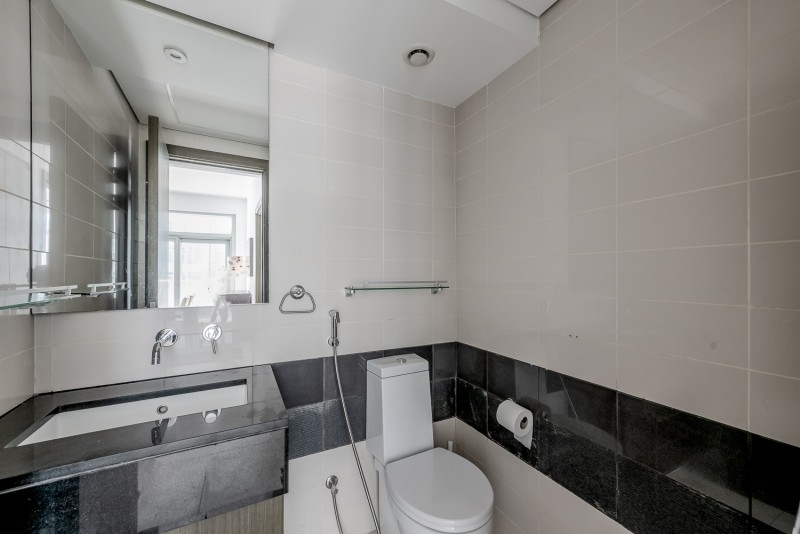 1 Bedroom Apartment For Sale in  Lofts Central,  Downtown Dubai   9