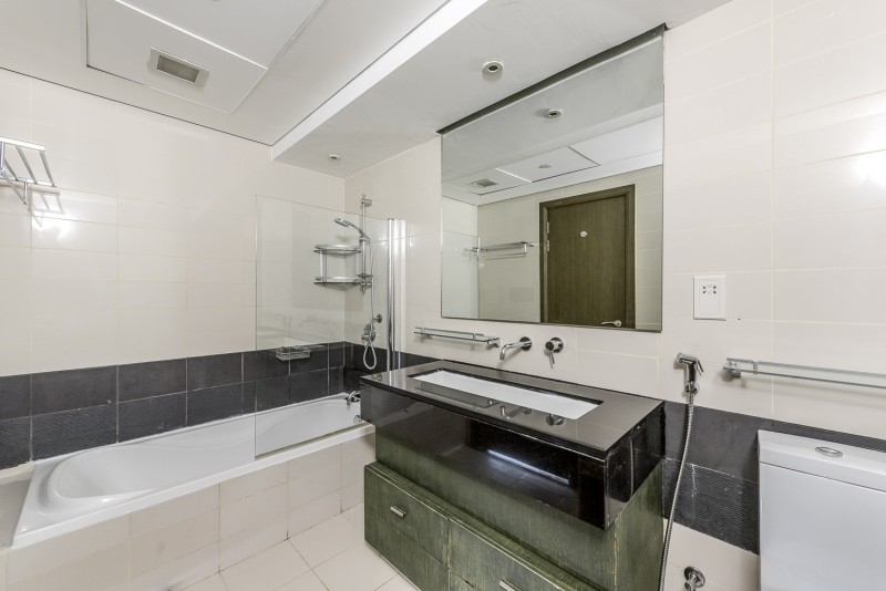 1 Bedroom Apartment For Sale in  Lofts Central,  Downtown Dubai   8