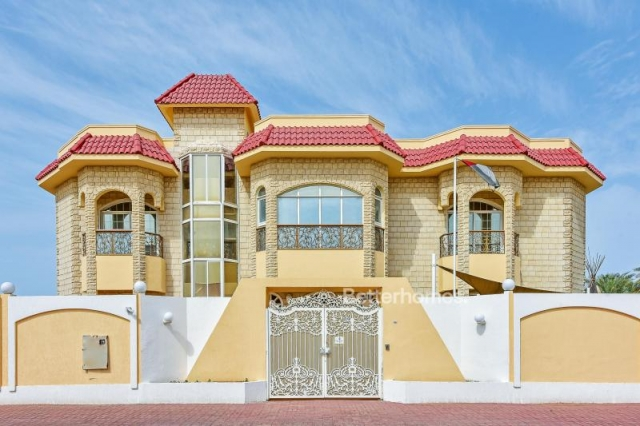 partitioned and furnished commercial villa for sale in jumeirah, jumeirah 3 | 0