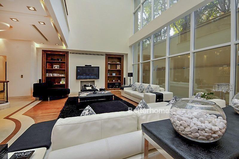 8 Bedroom Villa For Sale in  Umm Suqeim 3,  Umm Suqeim | 1