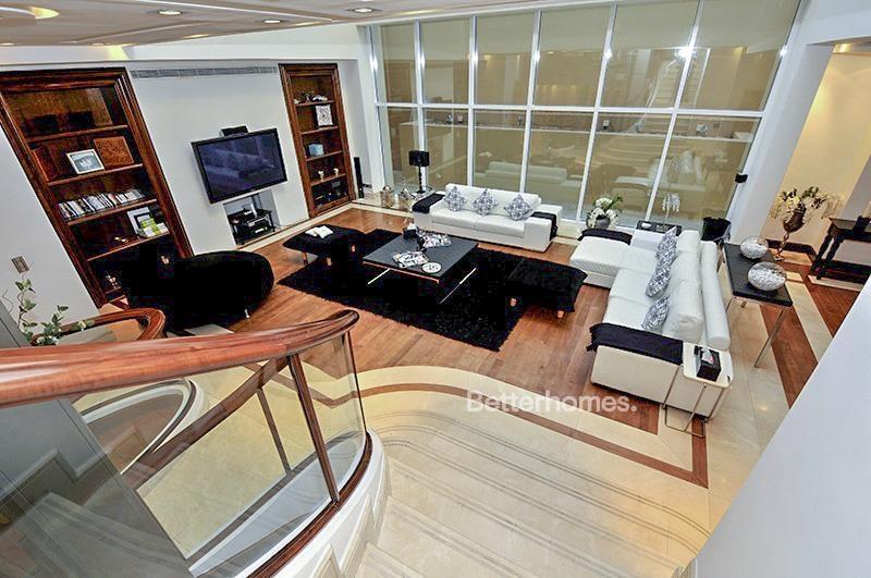 8 Bedroom Villa For Sale in  Umm Suqeim 3,  Umm Suqeim | 2