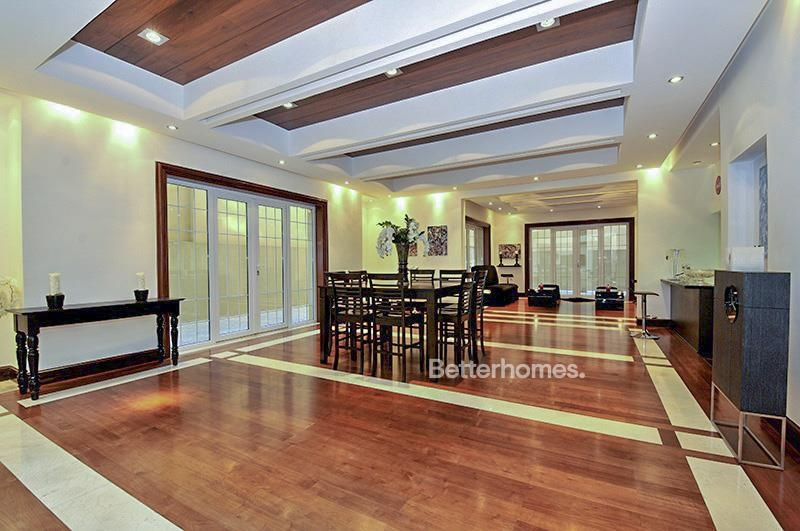 8 Bedroom Villa For Sale in  Umm Suqeim 3,  Umm Suqeim | 3