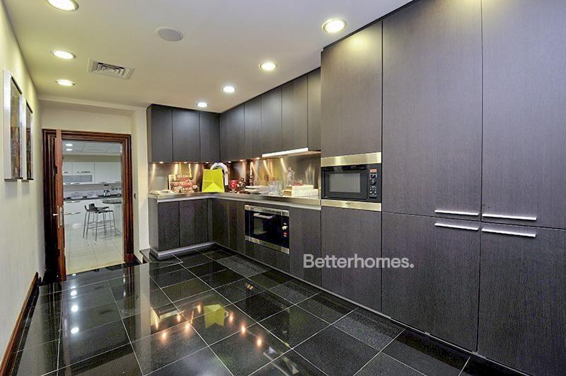 8 Bedroom Villa For Sale in  Umm Suqeim 3,  Umm Suqeim | 4