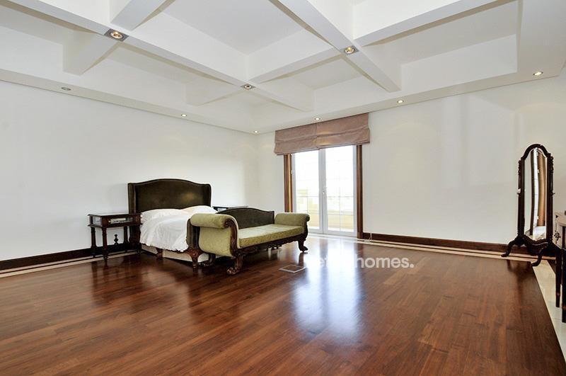 8 Bedroom Villa For Sale in  Umm Suqeim 3,  Umm Suqeim | 6