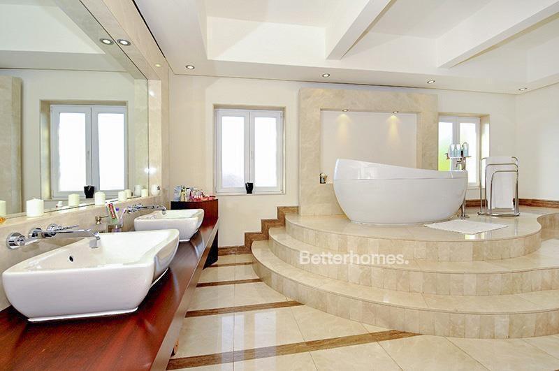 8 Bedroom Villa For Sale in  Umm Suqeim 3,  Umm Suqeim | 7