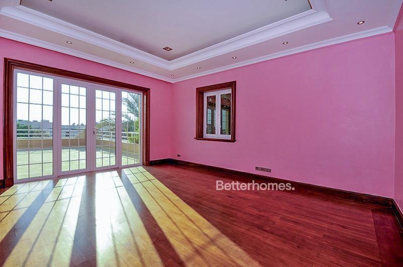 8 Bedroom Villa For Sale in  Umm Suqeim 3,  Umm Suqeim | 12