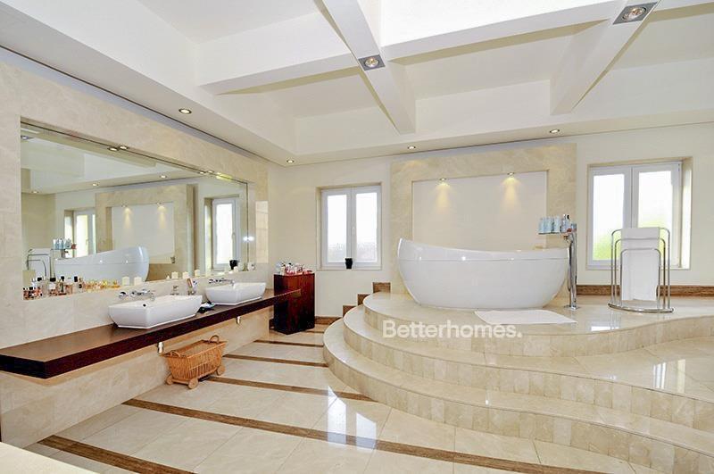 8 Bedroom Villa For Sale in  Umm Suqeim 3,  Umm Suqeim | 13