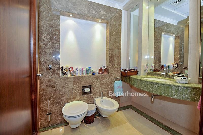 8 Bedroom Villa For Sale in  Umm Suqeim 3,  Umm Suqeim | 15
