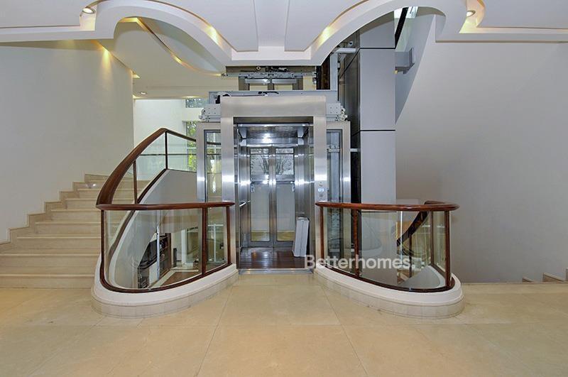 8 Bedroom Villa For Sale in  Umm Suqeim 3,  Umm Suqeim | 16