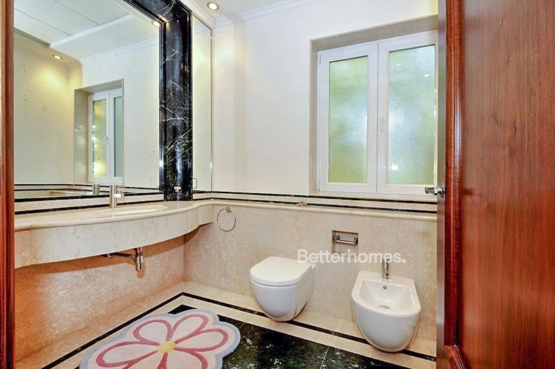 8 Bedroom Villa For Sale in  Umm Suqeim 3,  Umm Suqeim | 20