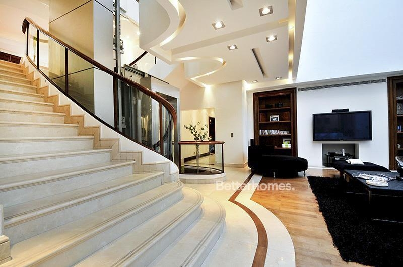 8 Bedroom Villa For Sale in  Umm Suqeim 3,  Umm Suqeim | 21