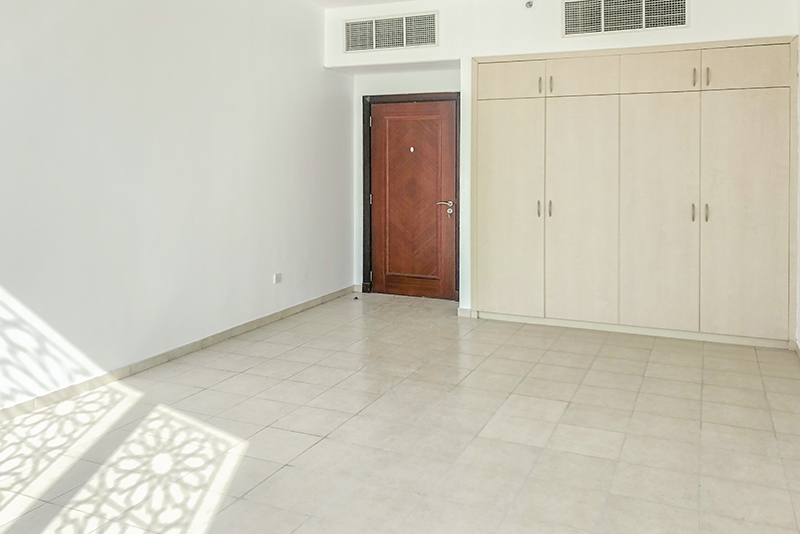 1 Bedroom Apartment For Rent in  Building 1 To Building 37,  Discovery Gardens | 2
