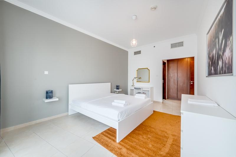 2 Bedroom Apartment For Short Term Rental in  Burj Al Nujoom,  Downtown Dubai   2
