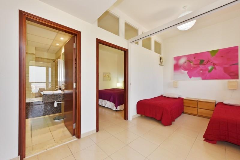 2 Bedroom Apartment For Short Term Rental in  Sadaf 7,  Jumeirah Beach Residence   6