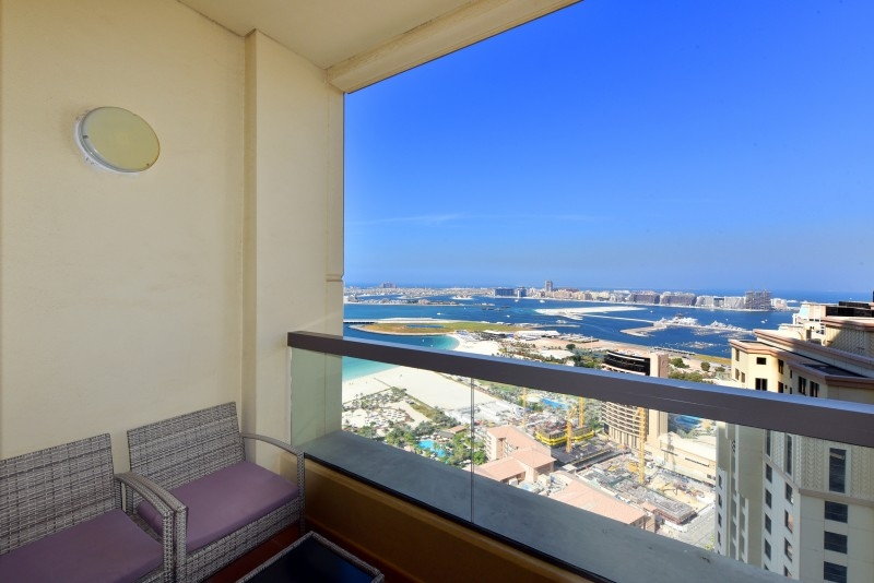 2 Bedroom Apartment For Short Term Rental in  Sadaf 7,  Jumeirah Beach Residence   9