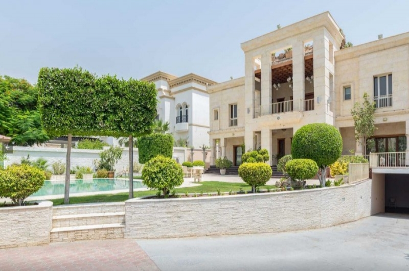 Sector R, Emirates Hills