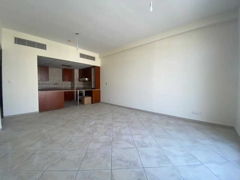 2 Bedroom Apartment For Sale in  Widcombe House 1,  Motor City   4