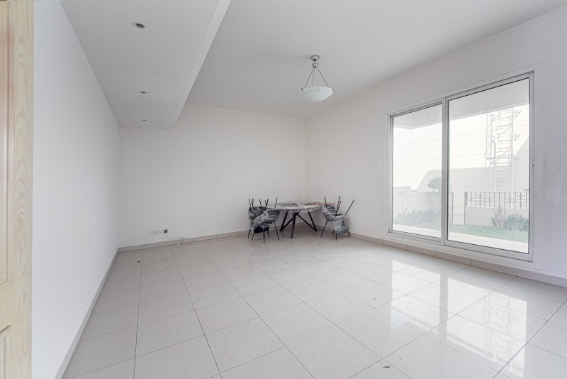 3 Bedroom Villa For Rent in  Umm Suqeim 2,  Umm Suqeim   13