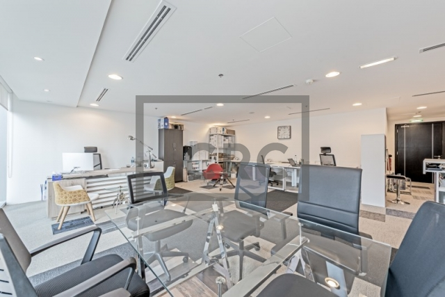 870 sq.ft. Office in Business Bay, The Binary Tower for AED 1,100,000