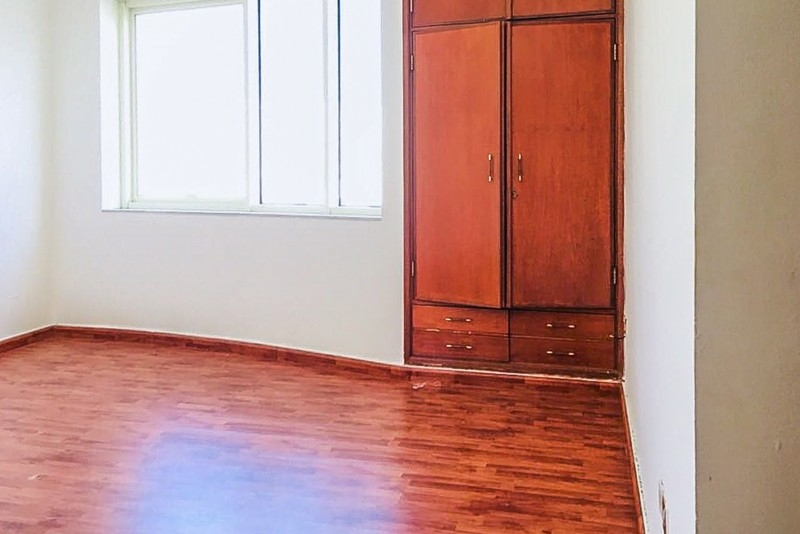 4 Bedroom Apartment For Rent in  Marina Plaza Building,  Electra Street   12