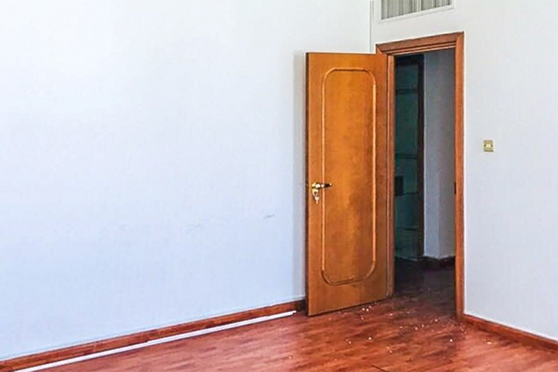 4 Bedroom Apartment For Rent in  Marina Plaza Building,  Electra Street   8