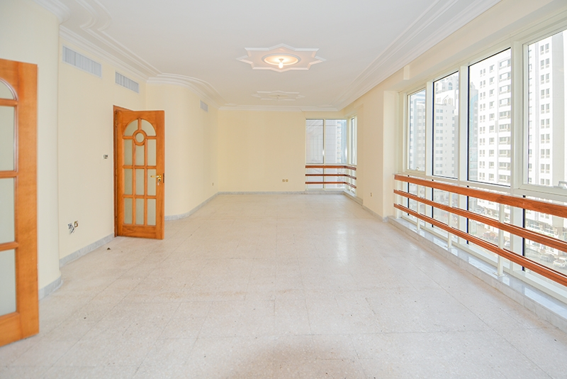 4 Bedroom Apartment For Rent in  Marina Plaza Building,  Electra Street   2