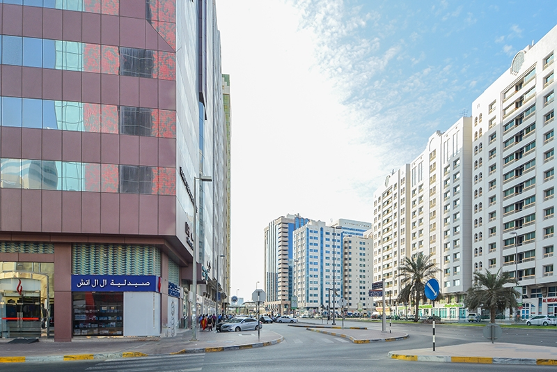 4 Bedroom Apartment For Rent in  Marina Plaza Building,  Electra Street   3