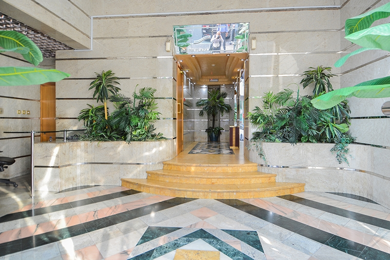 4 Bedroom Apartment For Rent in  Marina Plaza Building,  Electra Street   7