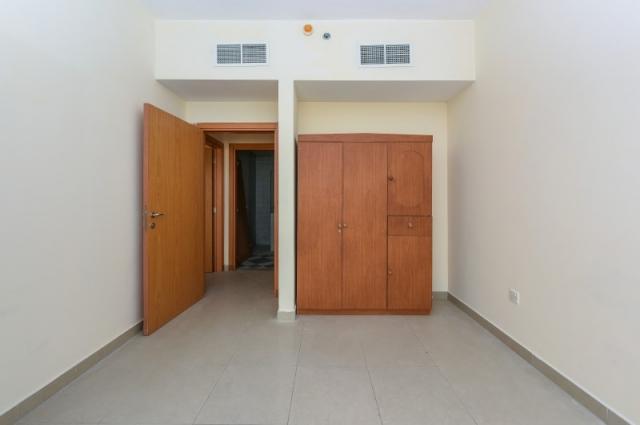Al Muraqqabat 596, Deira