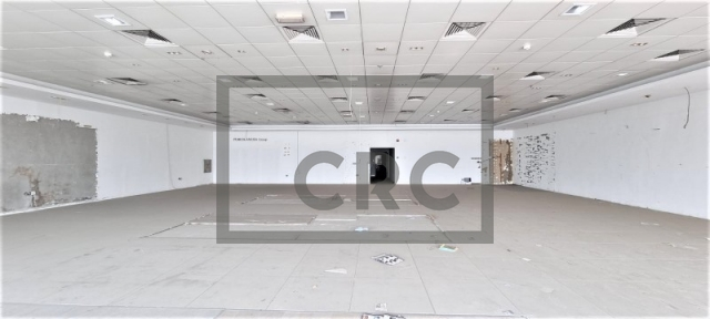 retail for rent in deira, amea commercial building | 2