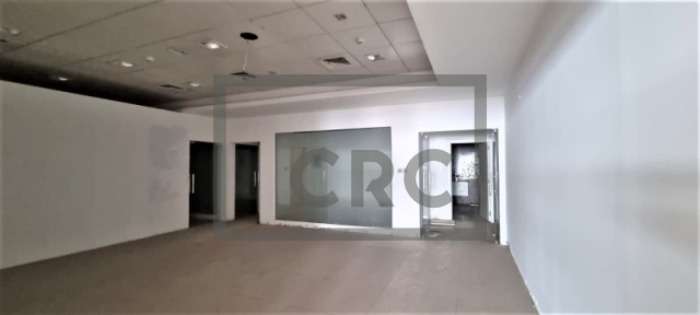 retail for rent in deira, amea commercial building | 1