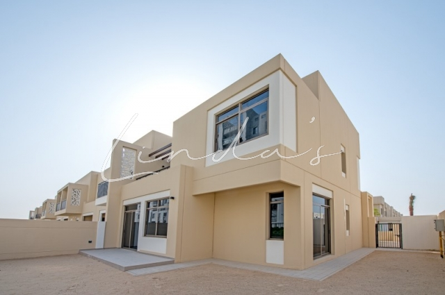 Safi Townhouses, Town Square