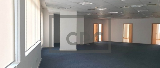 2,735 sq.ft. Office in Dubai Healthcare City, Building 49 for AED 341,875