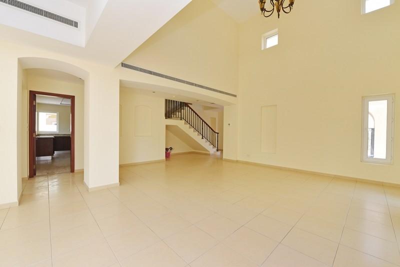 6 Bedroom Villa For Rent in  Al Mahra,  Arabian Ranches   4