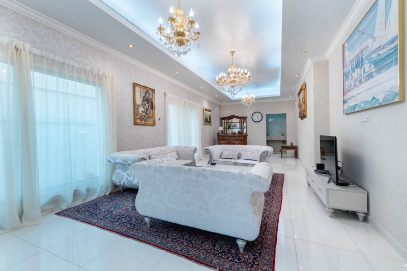 6 Bedroom Villa For Sale in  Umm Suqeim 2,  Umm Suqeim | 0