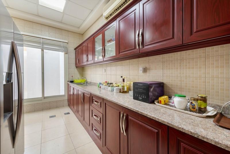 6 Bedroom Villa For Sale in  Umm Suqeim 2,  Umm Suqeim | 6