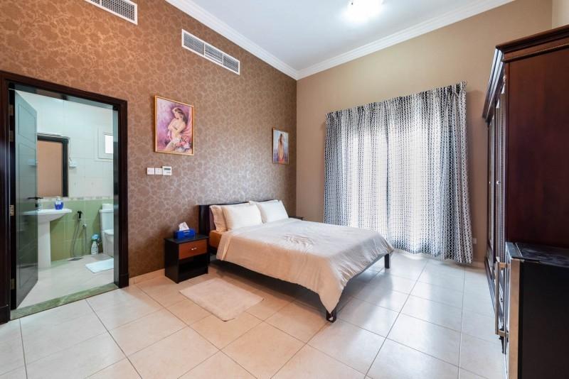 6 Bedroom Villa For Sale in  Umm Suqeim 2,  Umm Suqeim | 7