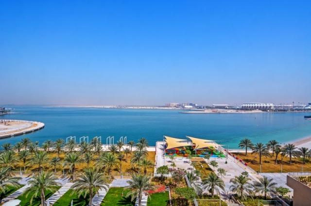 Al Zeina, Al Raha Beach