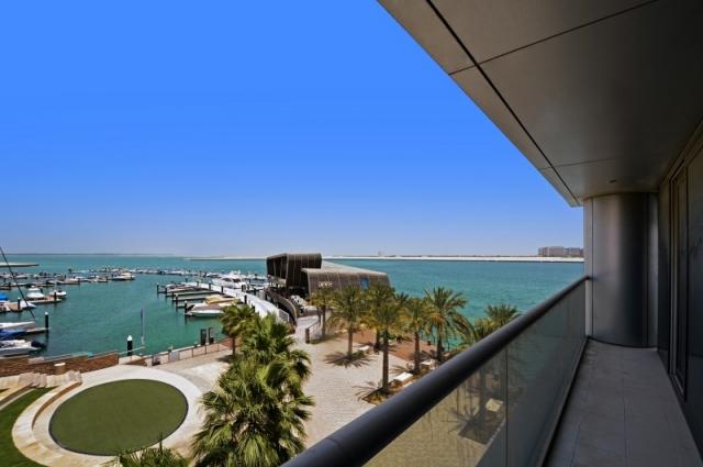 Al Manara, Al Raha Beach