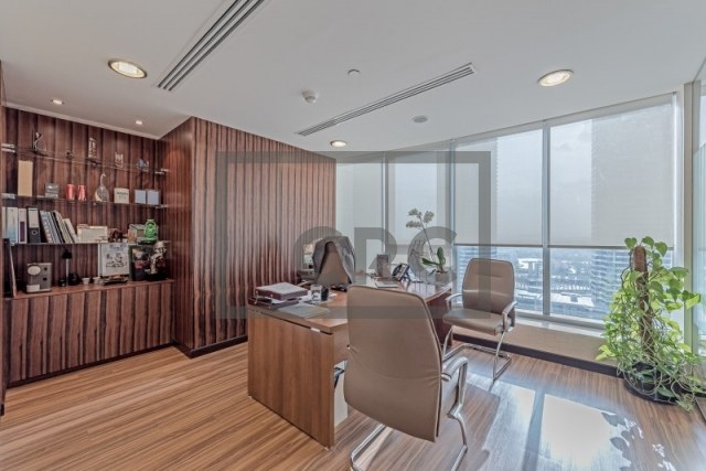 2,279 sq.ft. Office in Jumeirah Lake Towers, Platinum Tower for AED 2,750,000