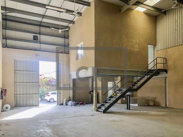 commercial properties for rent in al quoz industrial area 4