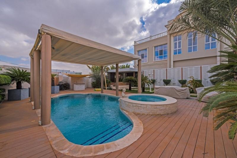 9 Bedroom Villa For Sale in  Umm Suqeim 2,  Umm Suqeim   11