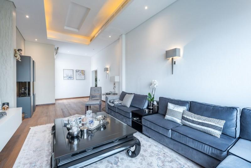 9 Bedroom Villa For Sale in  Umm Suqeim 2,  Umm Suqeim   12